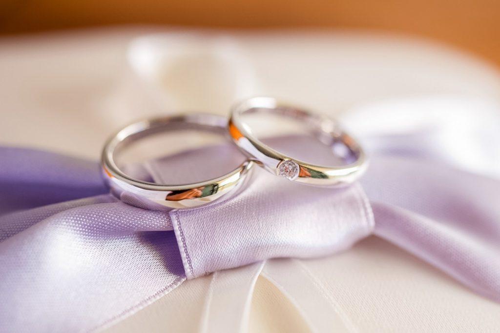 結婚式での上司の祝辞挨拶にお礼のお金を渡す時のポイント5選 Love